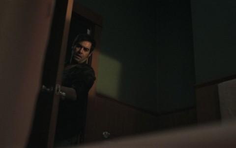 半夜诡童敲门浴缸血水满溢 闹鬼饭店实景拍好惊